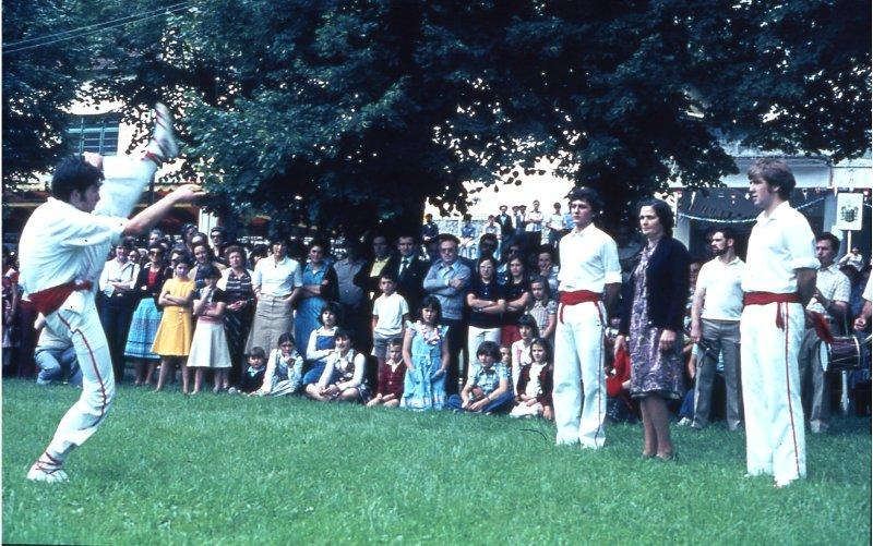 1977ko Soka dantza, Markinako Zelaian. (Felipe Amutxastegi)